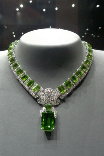 Birmano peridoto collar
