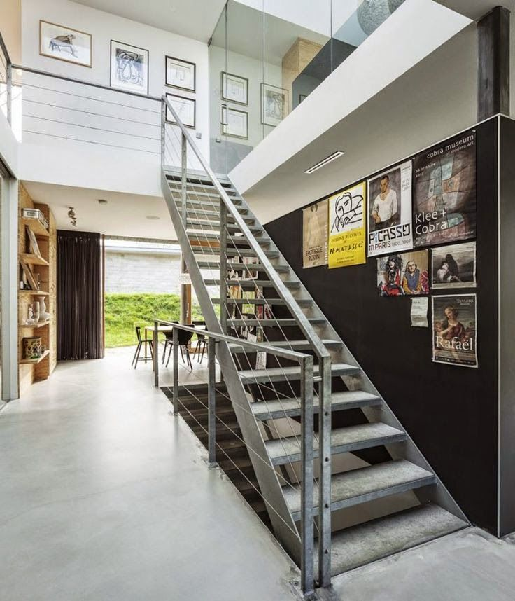 Creative Staircase Wall Decorating Ideas, Art Frames