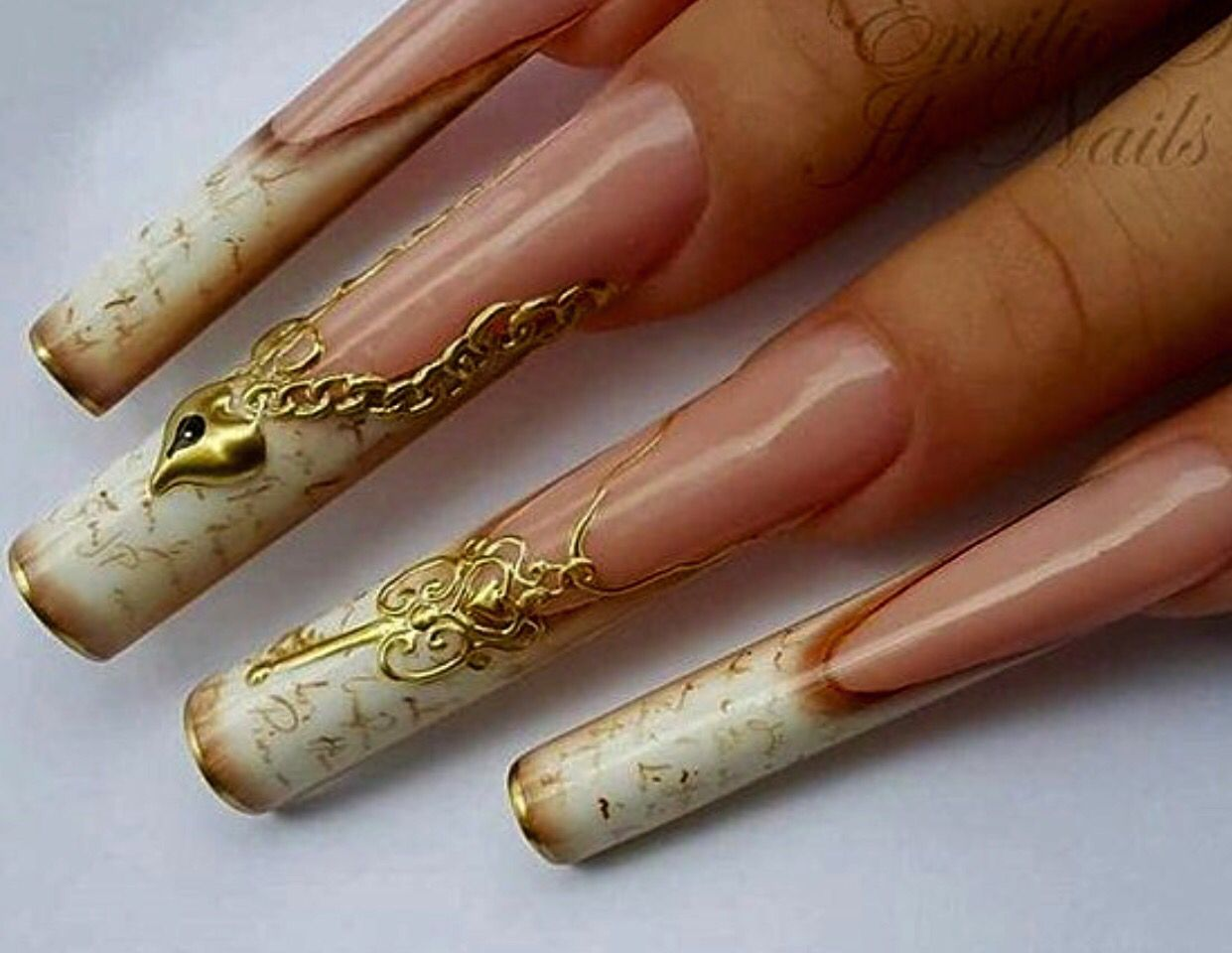Love this design, just not so extremely long! Beautiful! | WOWZA ...