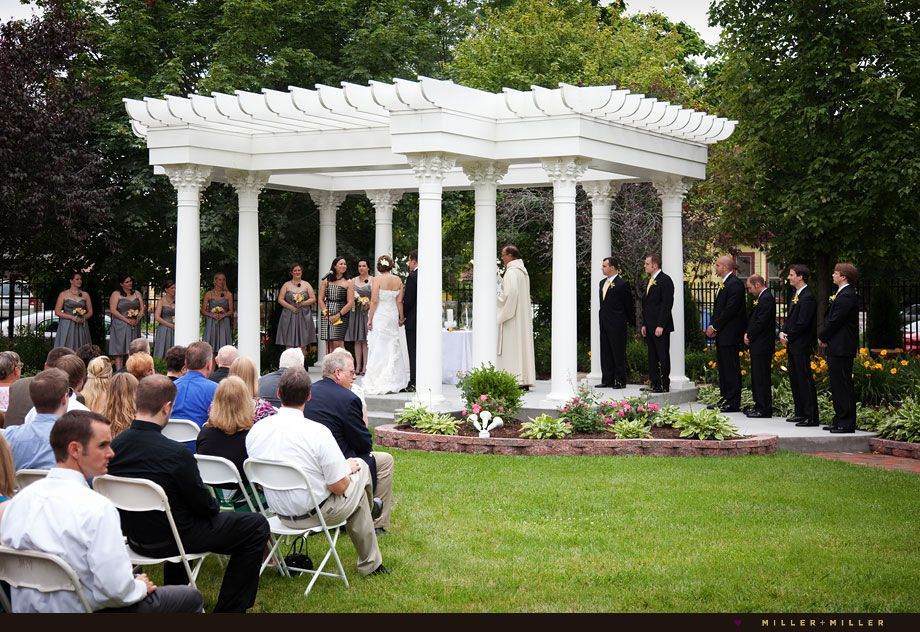 Planning a outdoor wedding at home
