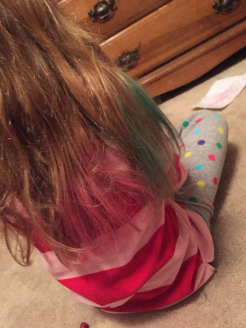 I just used hair chalk