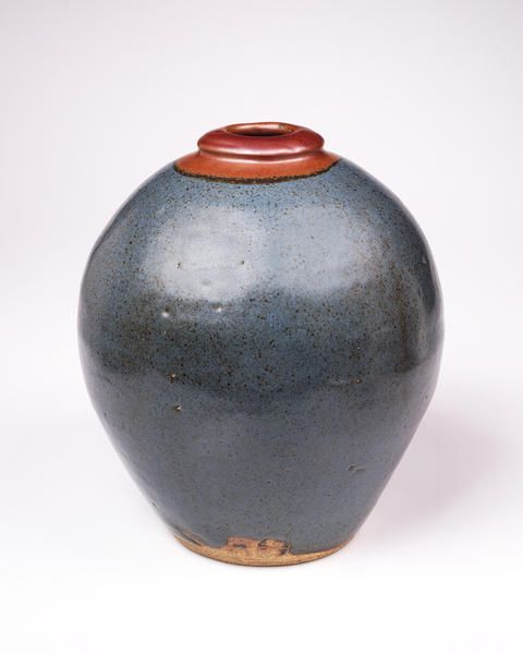 Bernard Leach, Round shouldered jar