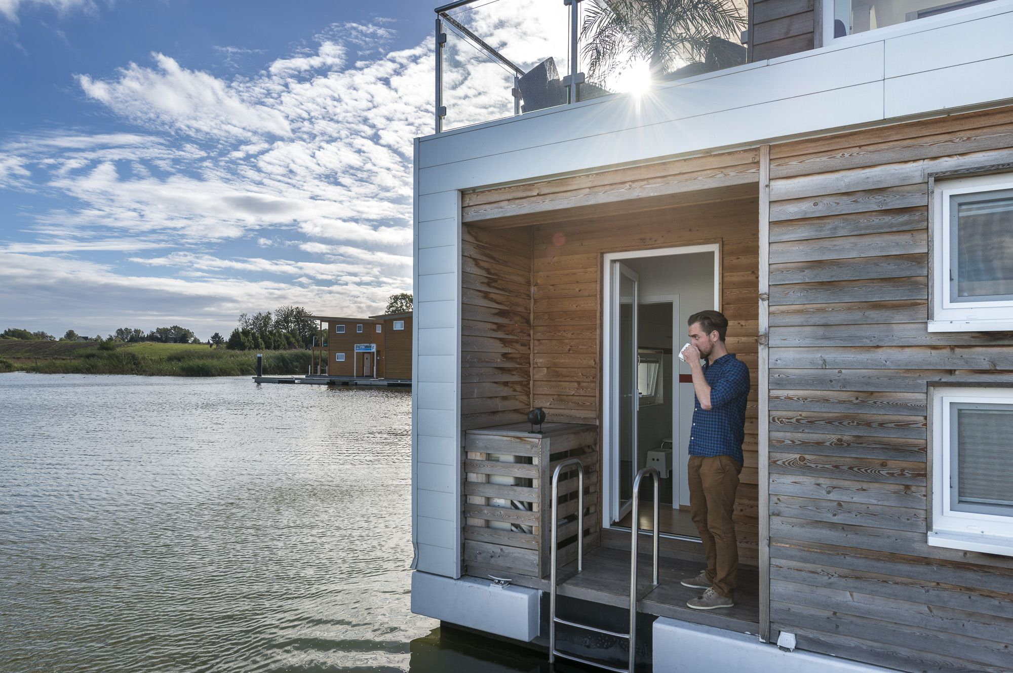 Lakehouse, floating house, Beachhouse - Schwimmendes Haus kaufen ...