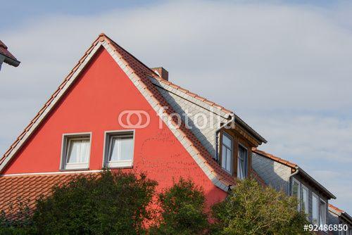 """Laden Sie das lizenzfreie Foto """"Wohnhaus"""" von Nicolette Wollentin zum günstigen Preis auf Fotolia.com herunter. Stöbern Sie in unserer Bilddatenbank und finden Sie schnell das perfekte Stockfoto für Ihr Marketing-Projekt!"""
