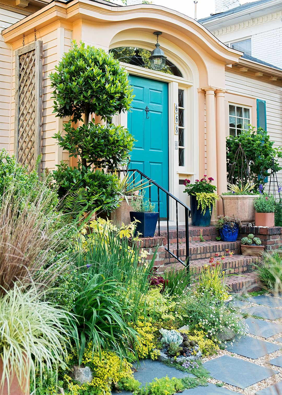 See How This Small Garden Transformed Into An Urban Sanctuary