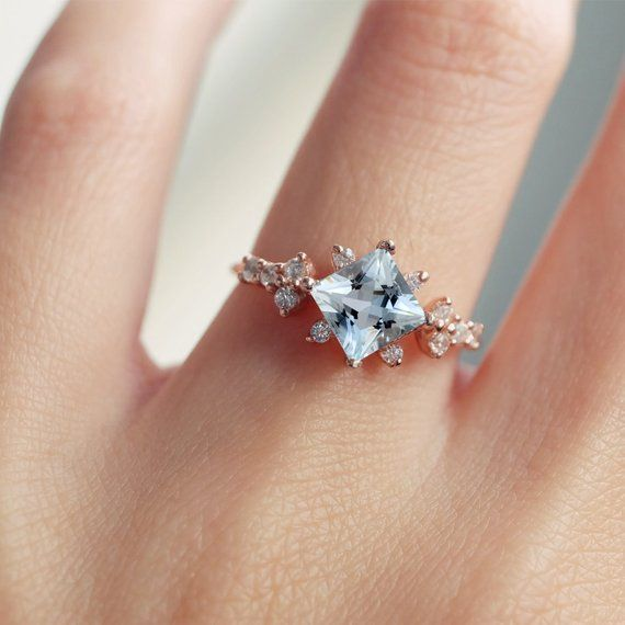 aquamarine engagement ring, aquamarine ring, aquamarine cluster ring, modern engagement ring, blue aquamarine, blue stone ring, unique rings #aquamarineengagementring