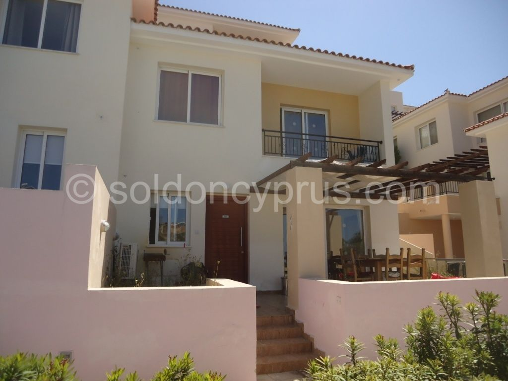 Just Added Ref 3058 1 Bedroom Townhouse For Sale In Upper Peyia Soldoncyprus Soc Townhouse Paphos Property Holiday Homes For Sale Townhouse Exterior