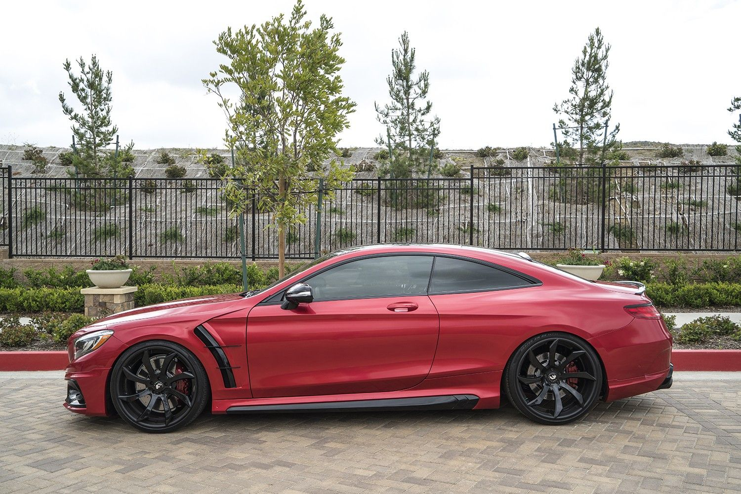Red mercedes benz s63 amg coupe mercedes amg s63 coupe for Red mercedes benz power wheels