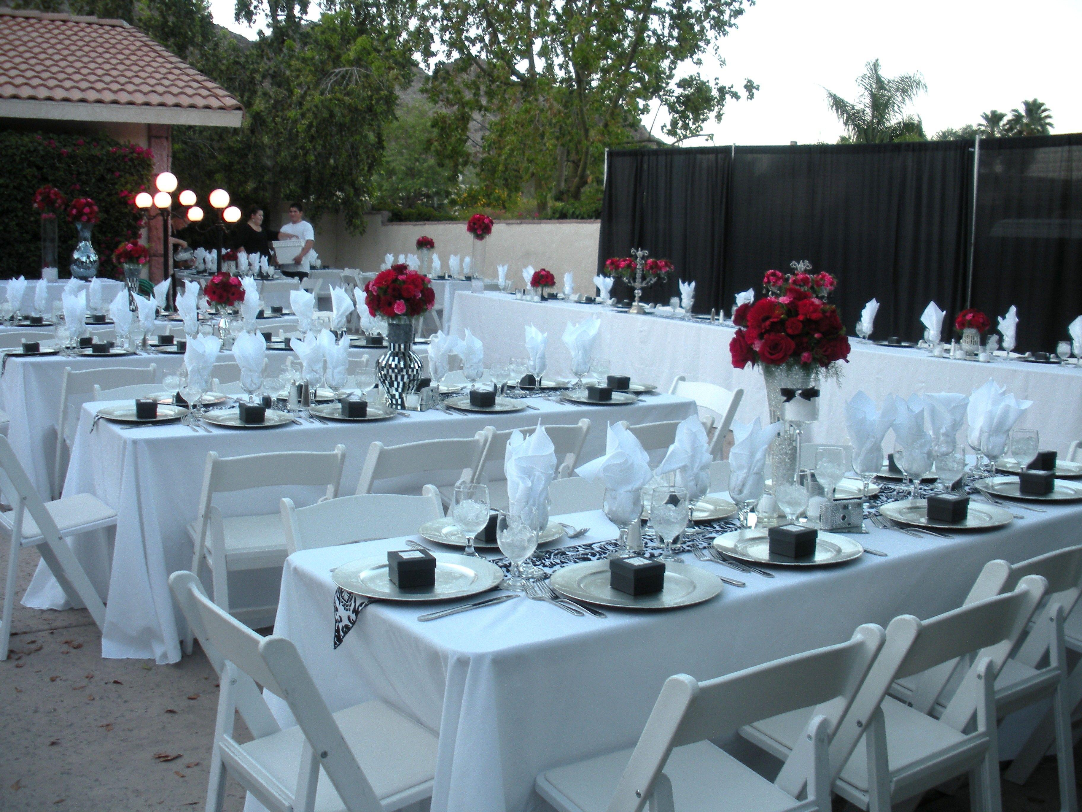 I Like The Table Set Up Backyard Wedding Decorations Blue