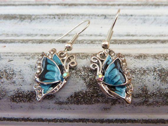 Emaillierte Schmetterling Ohrringe in türkis von Schmucktruhe, €14.50