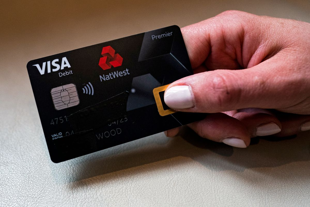 Natwest S New Debit Card Will Allow Customers To Pay With Their Fingerprint Debit Debit Card Bank Card