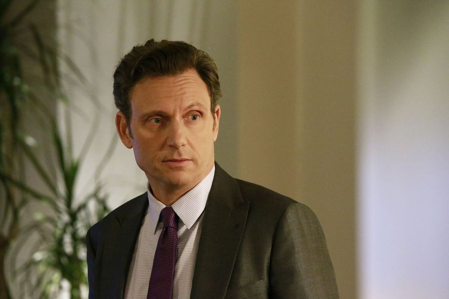 "Fitz (Tony Goldwyn) in Scandal 6x10 ""The Decision"""