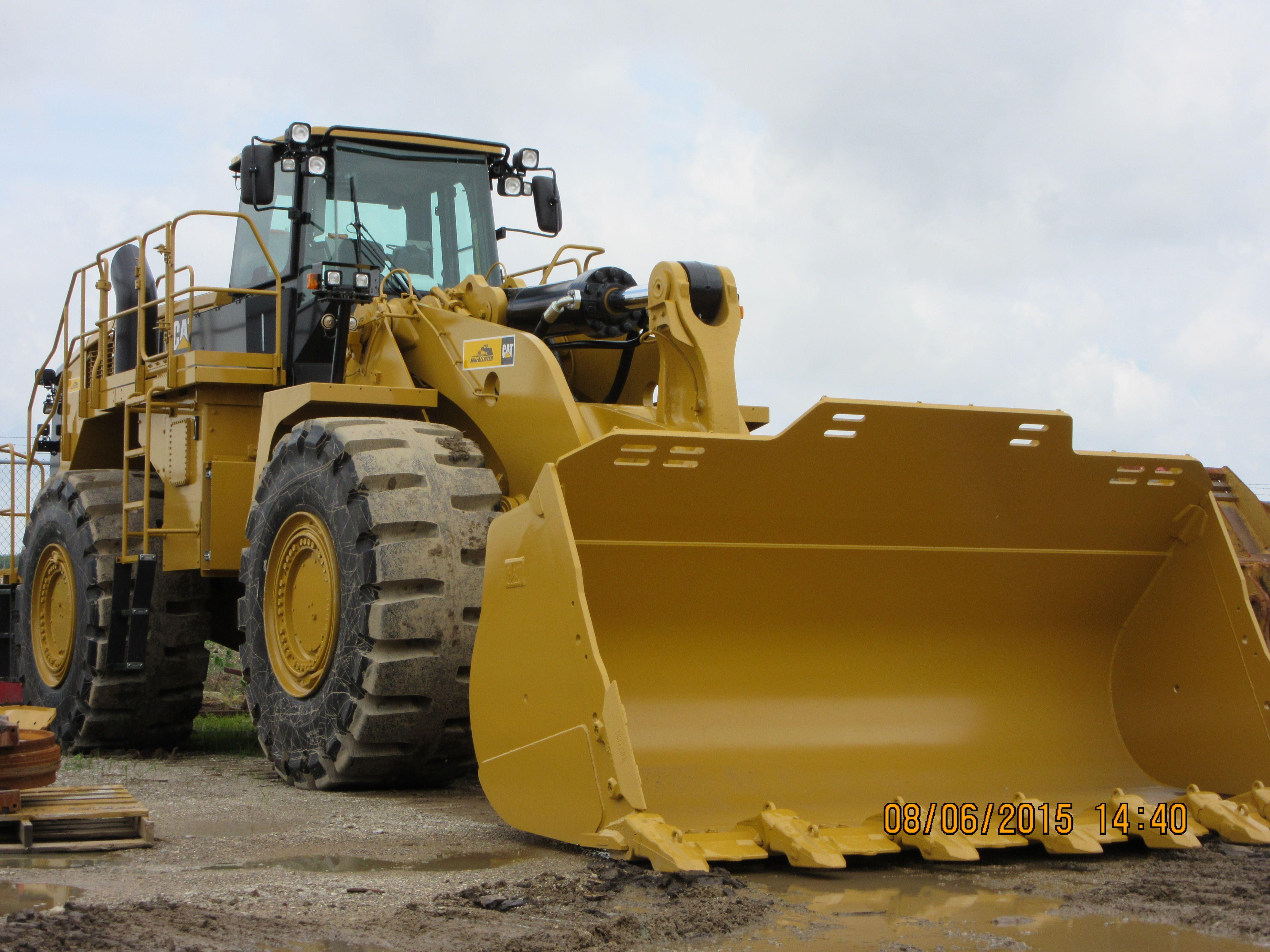 580 gross 541 net hp Caterpillar 988K.112,574 pounds.9