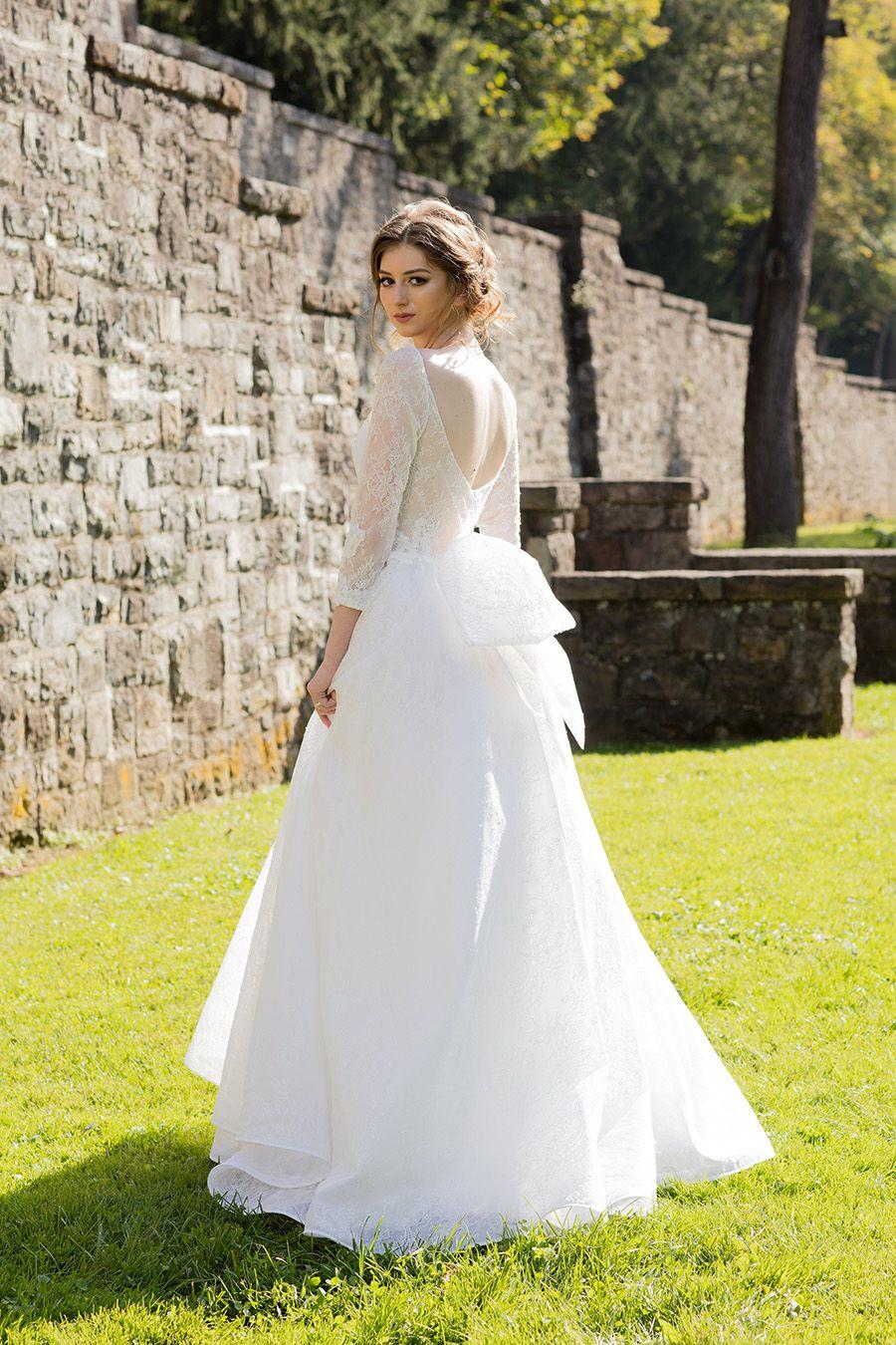 Low Back Lace Wedding Dress Barbara Kavchok 50 Shades Of Grey Fifty Shades Freed Wedding Dr Fall Wedding Dress Sleeves Bridal Fashion Week Fall Wedding Dresses [ 1350 x 900 Pixel ]