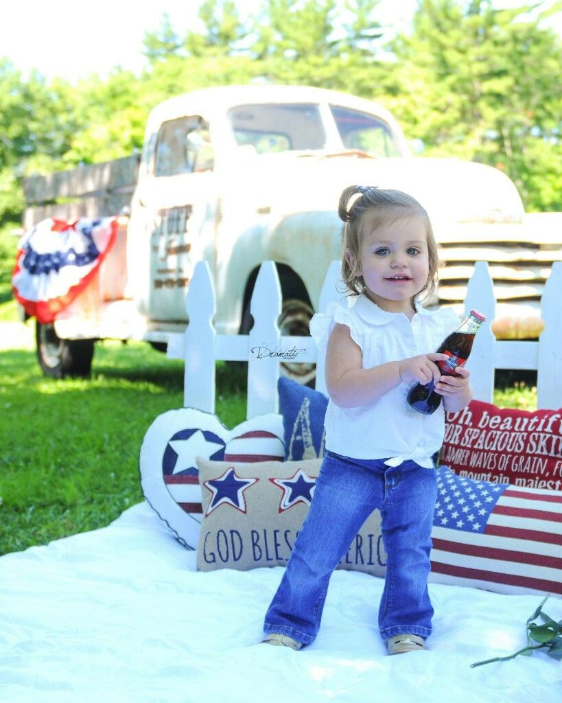 4th of July Mini Photo Shoot. 2016. Dramatic Xposures Photography. Red white & blue. Picnic. Coca Cola. Classic Chevy Truck