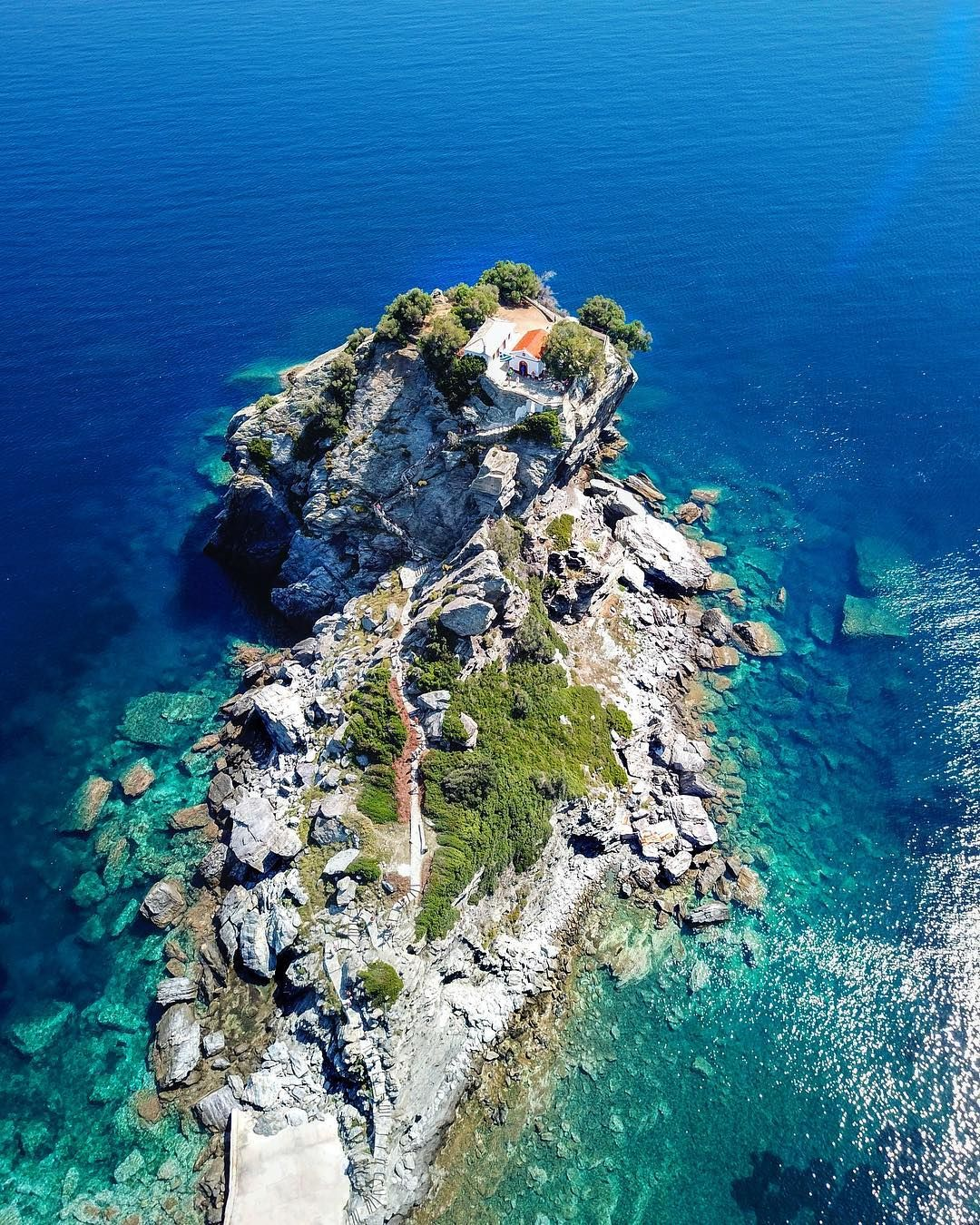 If You Want To Get Married In The Mamma Mia Church This Is It Aghios Ioannis Kastri In Beautiful Skopelos Mamma Skopelos Greece Visiting Greece Skopelos