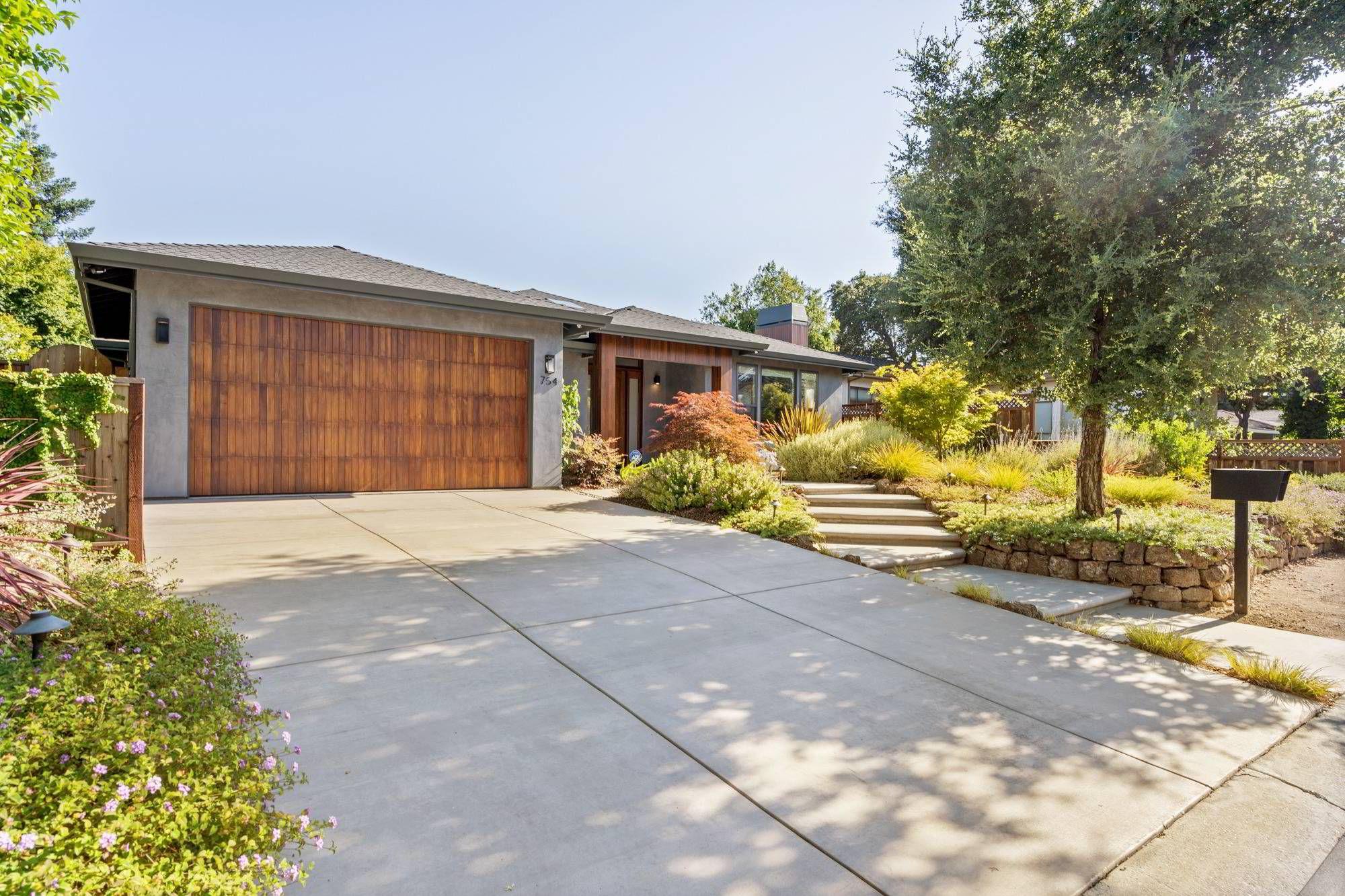 754 Edge Lane Los Altos Ca Usa Mls A1592336187 Boyenga Team Boyenga Team Compass In 2020 Luxury Realtor Los Altos Luxury Homes