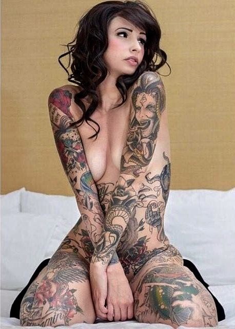 Naked girls with tattoo pics