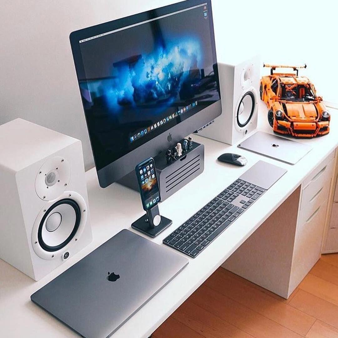 Homeoffice Space Design Ideas: #minimaloffices #workspace #workstation #desk # Homeoffice