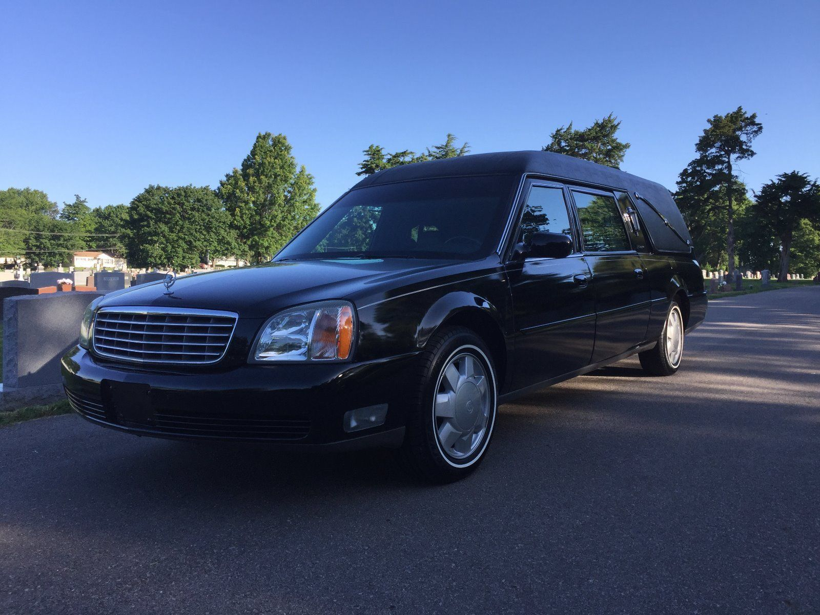 Fully reconditioned 2000 cadillac deville hearse