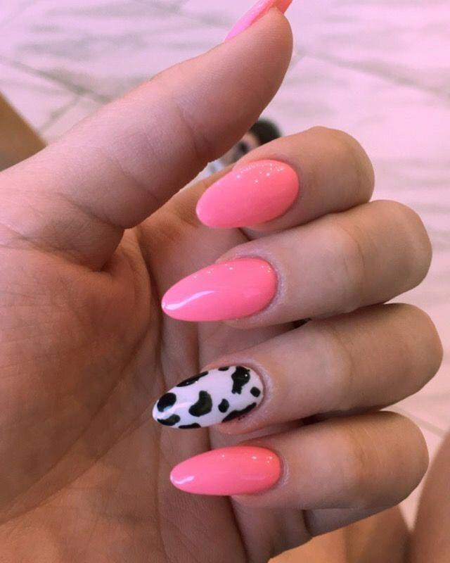 Pink Cow Print Design On Acrylic Nails Sydney Cline Acrylicnailspink In 2020 Cow Nails Short Acrylic Nails Pretty Acrylic Nails