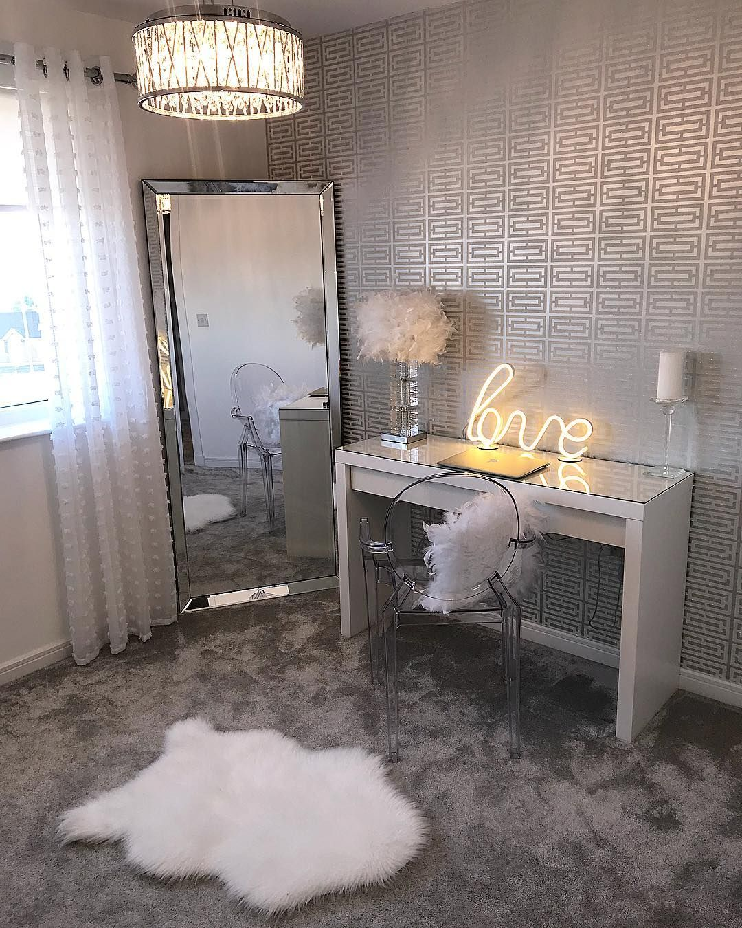 The Glittery World Of Silver Bedroom Ideas: H O M E & R O O M . In 2019