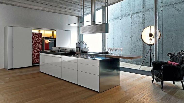 pavimento in parquet, arredamento cucina moderna con isola bianca