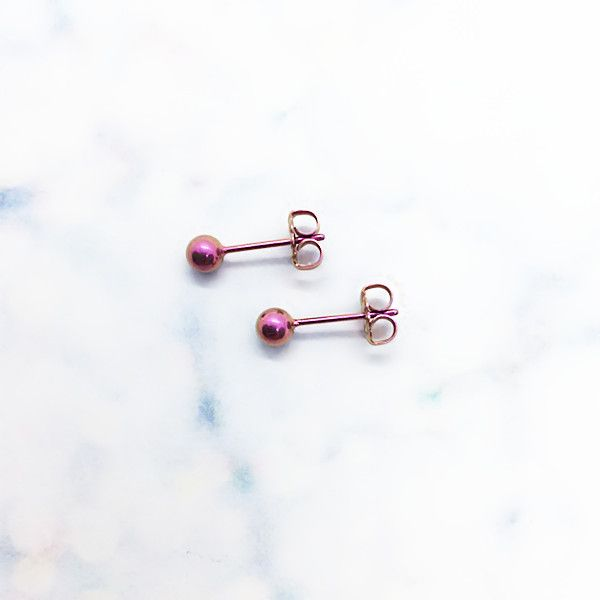 If you have sensitive ears, you know that finding a pair of earrings that are cute and that you can wear all day long is an uphill battle.our earrings is just for you ,light and allergy free. katharinejewelry.com #jewelrylover #titaniumjewelry #safepiercing #titaniumearrings