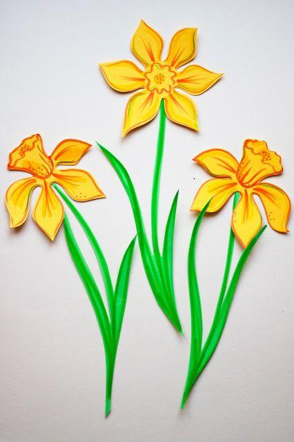 Pikczer For Ticzer Wiosenne Dekoracje Spring Decoration Zonkil Papercut Daffodil Cardboard Paper School Flower Crafts School Crafts Crafts For Kids