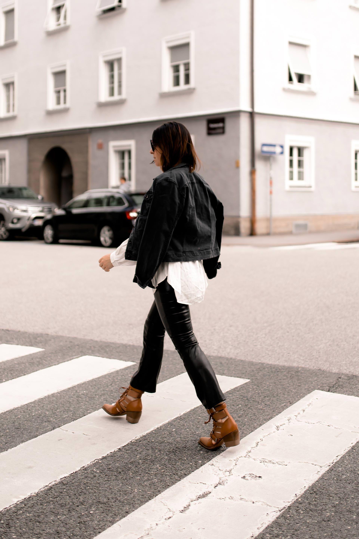 Mein Herbst Outfit mit Lederhose, Longbluse und ...