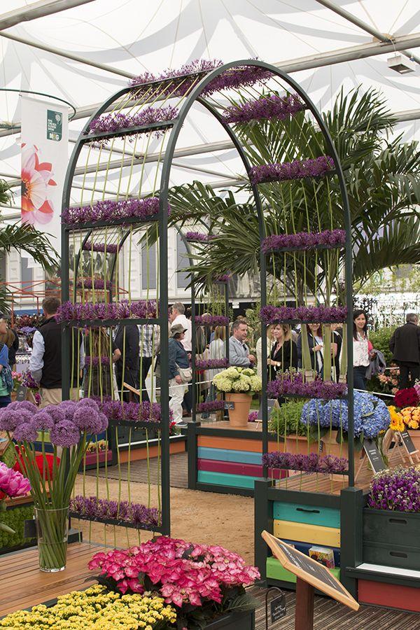 Rhs Chelsea Flower Show 2016 Marks Spencer S Spirit Of Summer Carnival Of Flowers Exhibit Chelsea Flower Show Chelsea Flower Flower Show