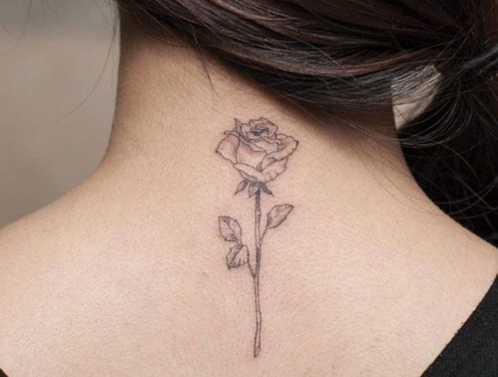 1001 Idees Tatouage Nuque Marque Jusqu Au Cou Tatouage Nuque Tatouage Rose Tatouage