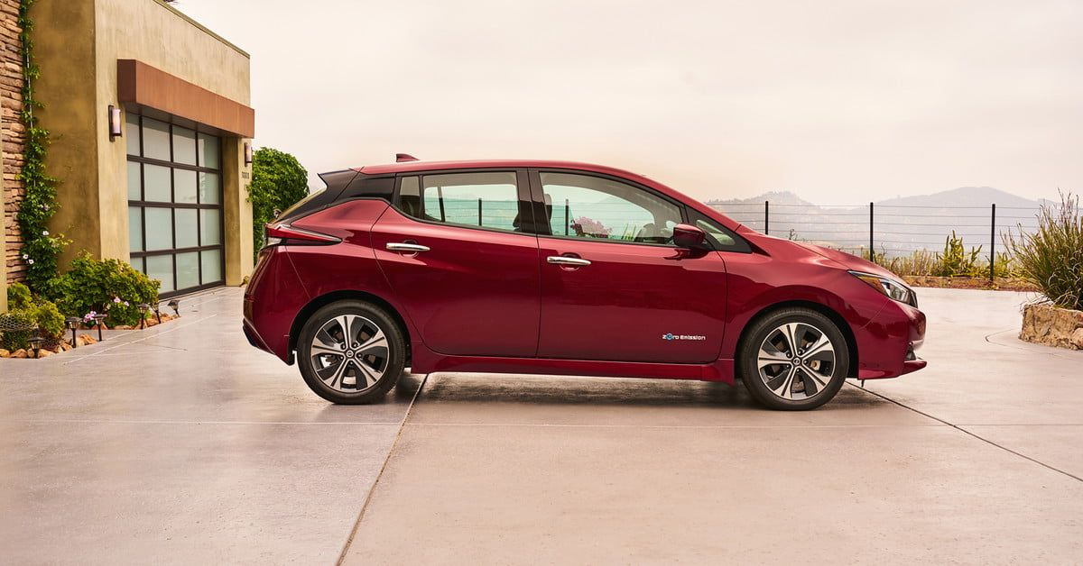 2018 Nissan Leaf Will Join The Company S Car Sharing Service Digital Trends Nissan Leaf Nissan Car Sharing