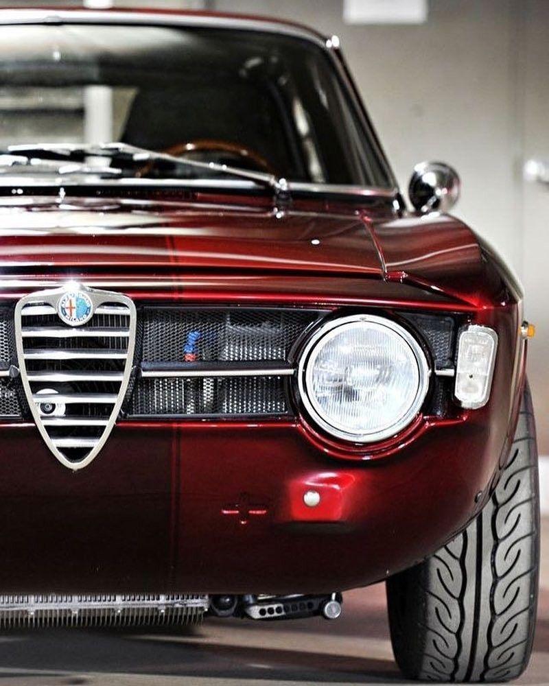 Pin By Carhub Op Old Classic Amp Vintage Cars Alfa Romeo