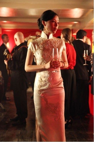 Elegant Hairstyle For Wedding Cheongsam Chinese Style Dress