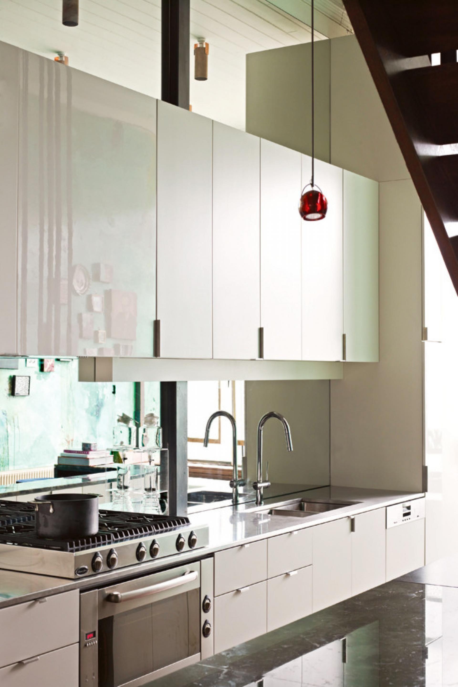Small kitchen with mirror backsplash tiny house pinterest