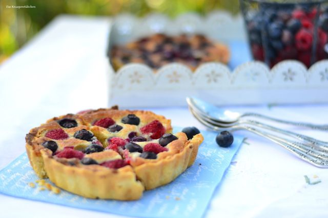Blueberry and Raspberry Mazarin Tart