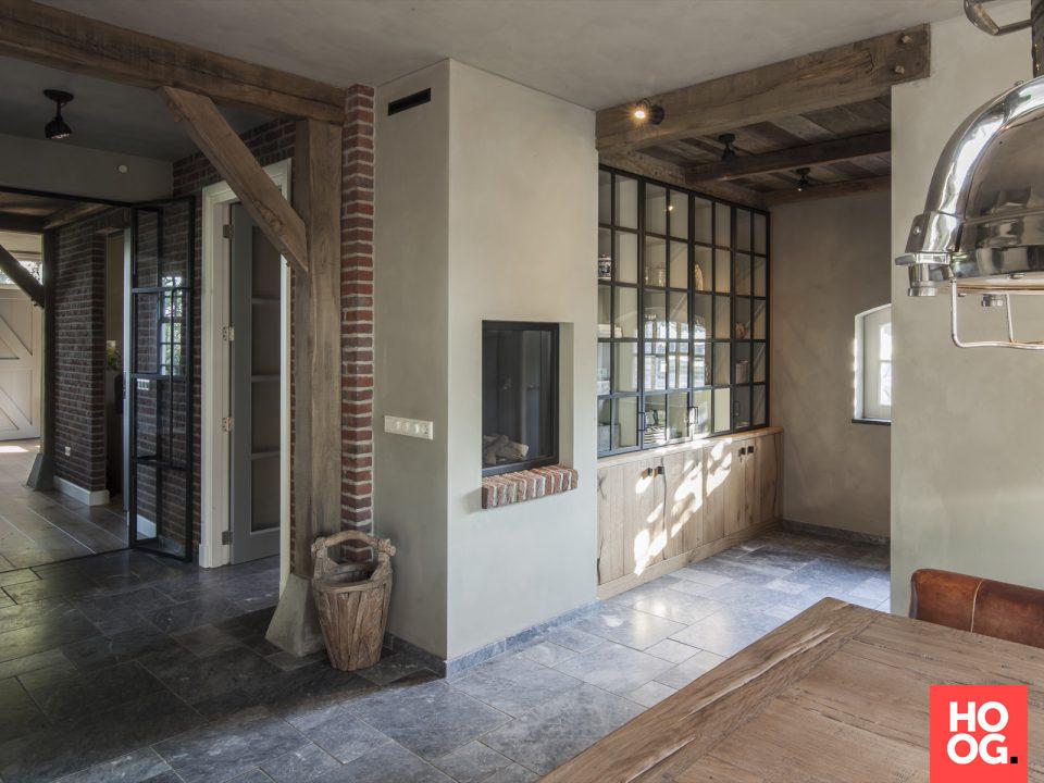 Landelijke woonkamer inrichting | fireplace in the living room ...
