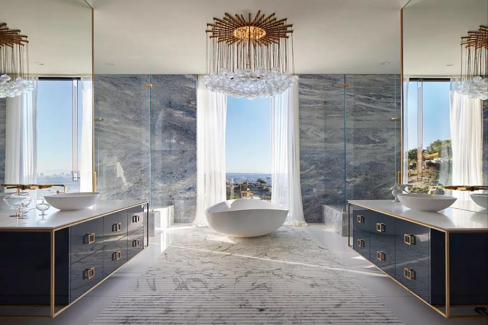 1622 Viewmont Dr Los Angeles Ca 90069 Mls 19 456994 Zillow Real Estates Design Singapore Bathroom Design Luxury Homes