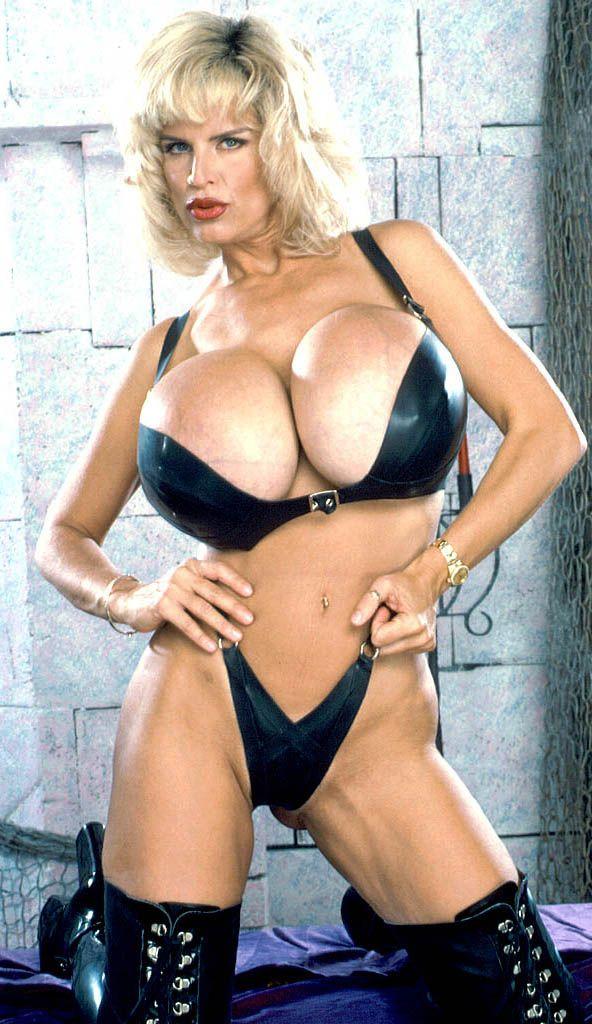 Sexy daphne boobs