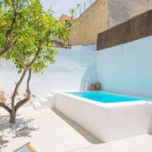 Piscinas peque as para patios peque os jard n en 2019 - Piscinas pequenas para jardin ...