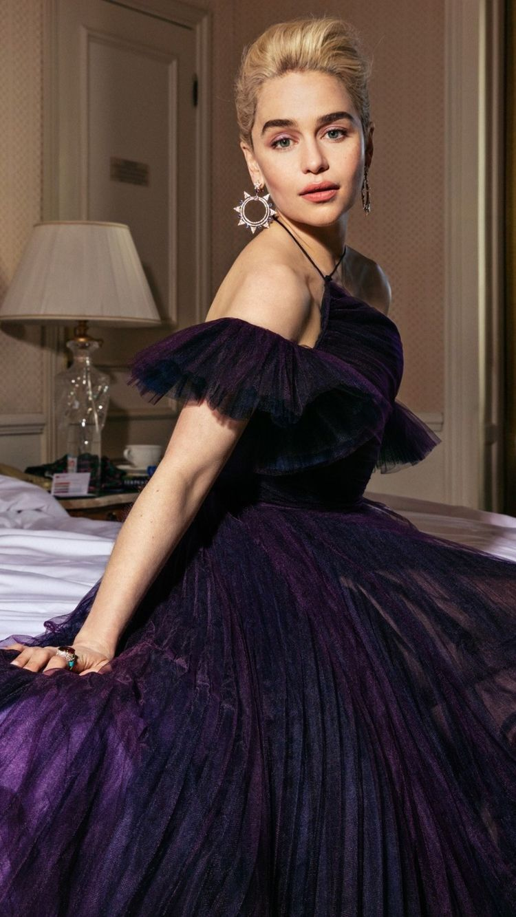 Pin by Rick Grimes on Emilia Clarke | Vanity fair ...