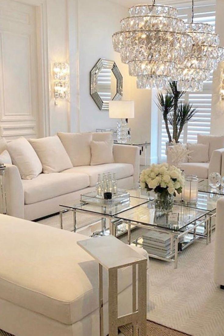 Photo of Wohnzimmer in weiß   glam Wohnzimmer   luxuriöses Landhaus Wohnzimmer