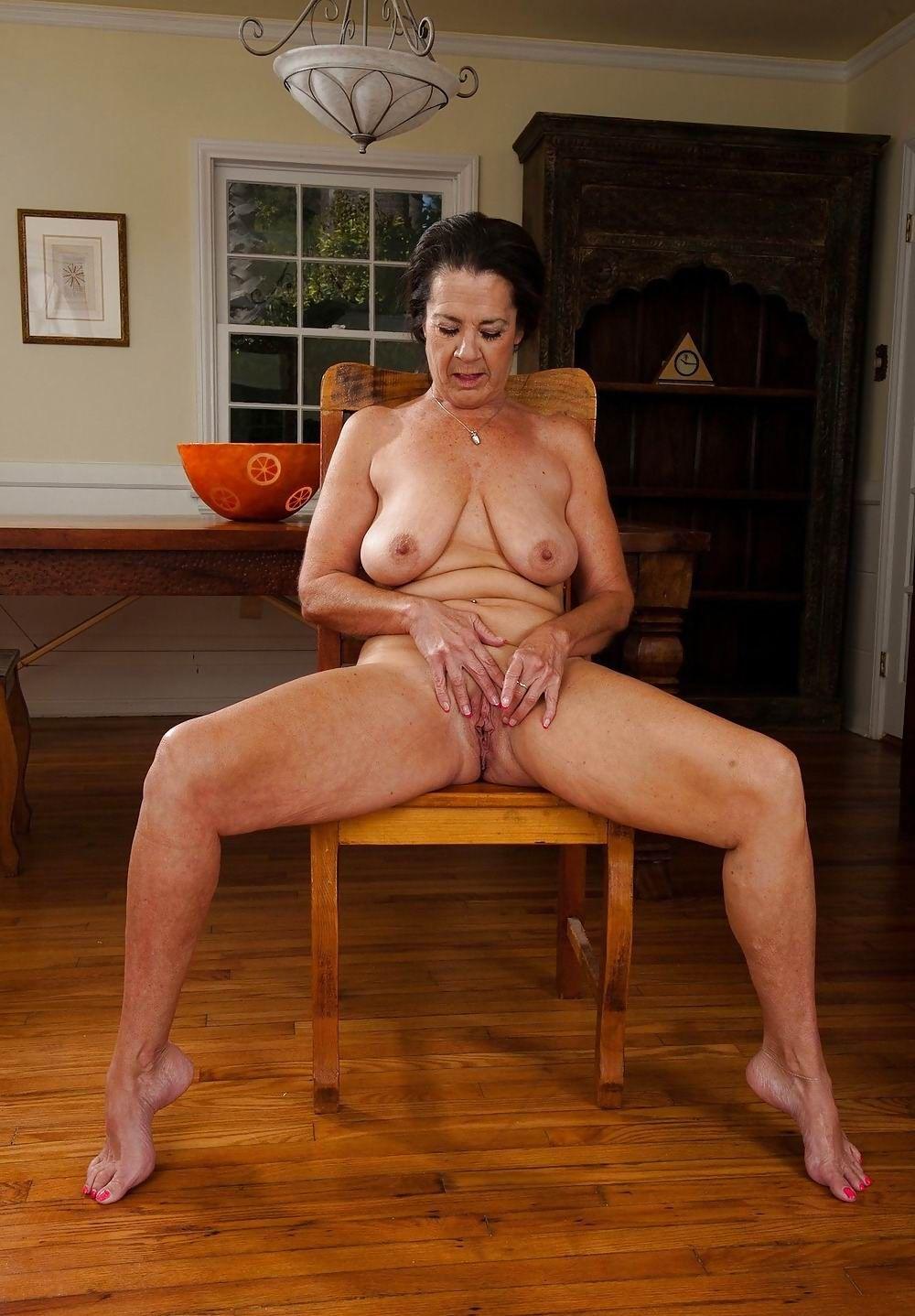 Mature nude hotties