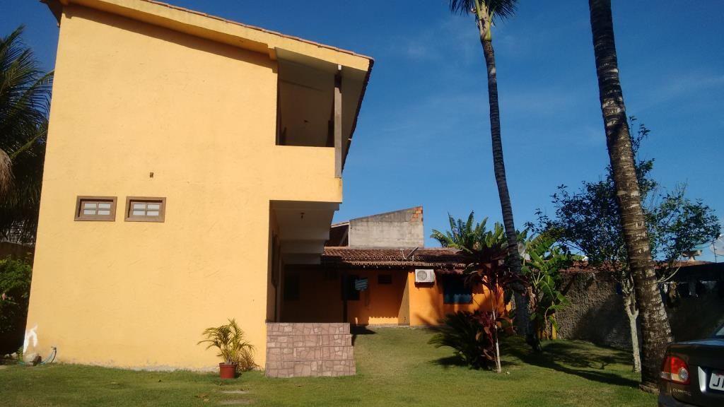 Casa em bairro nobre na orla de Porto Seguro, possui dependências para locação podendo investir no aluguel temporada.  Veja mais aqui - http://www.imoveisbrasilbahia.com.br/porto-seguro-casa-em-bairro-nobre-na-orla-para-investimento-a-venda