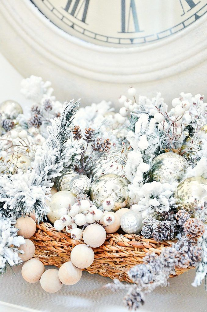 Make a stunning designer looking Christmas centerpiece for your home with things you probably already have at your house! #christmas #christmascenterpiece #christmasdecor #christmasdiy #christmasdecorations #holidaydiy #stonegable