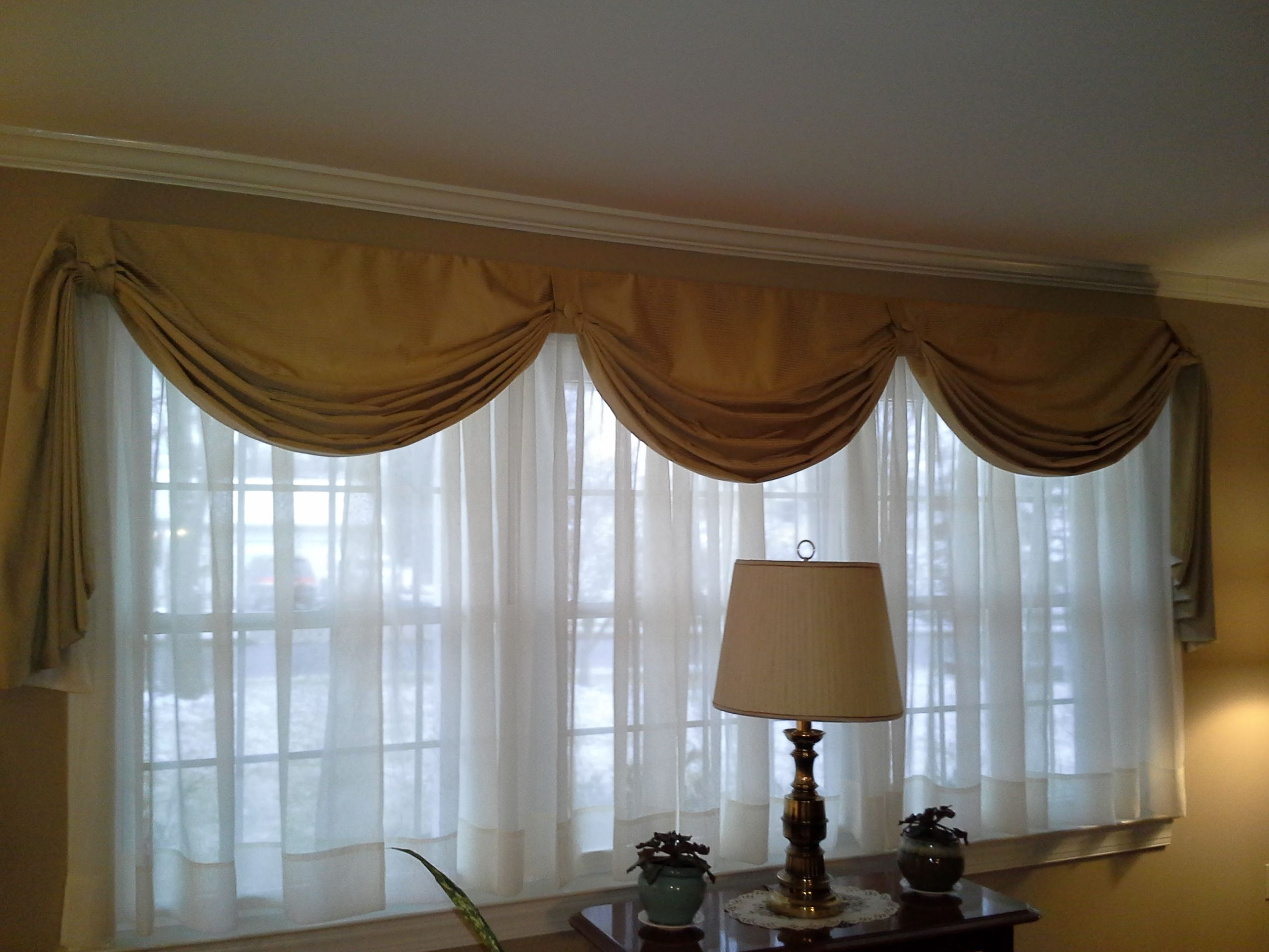 Fishtail swag curtain on large window sewing pinterest for Drapes for large windows