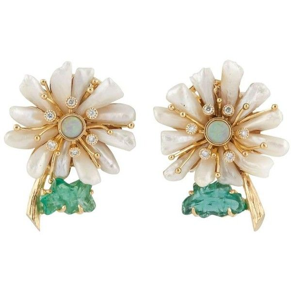 One Of A Kind Mississippi Pearl And Emerald Flower Earrings ($4,550) ❤ liked on Polyvore featuring jewelry, earrings, green, pearl earrings, clip on pearl earrings, emerald green jewelry, white pearl earrings and bezel set earrings
