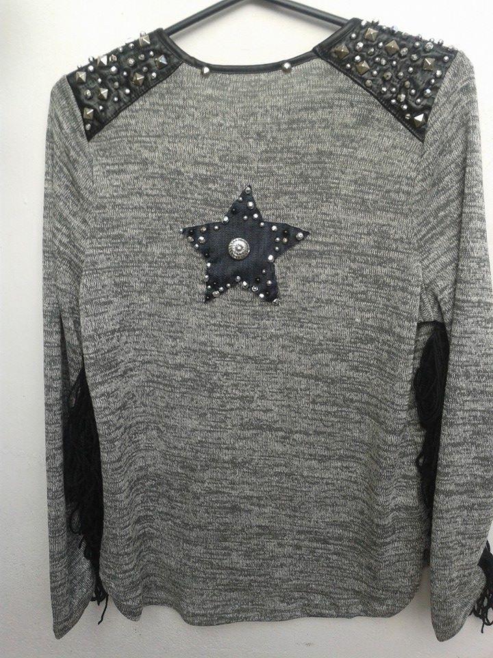 sweater con detalles en tachas 35ee9cd18afd