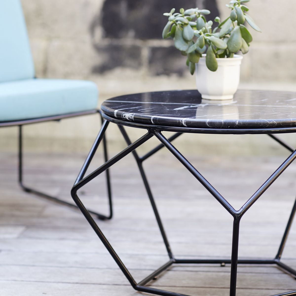 Marble and metal outdoor round coffee table tables for Wire coffee table